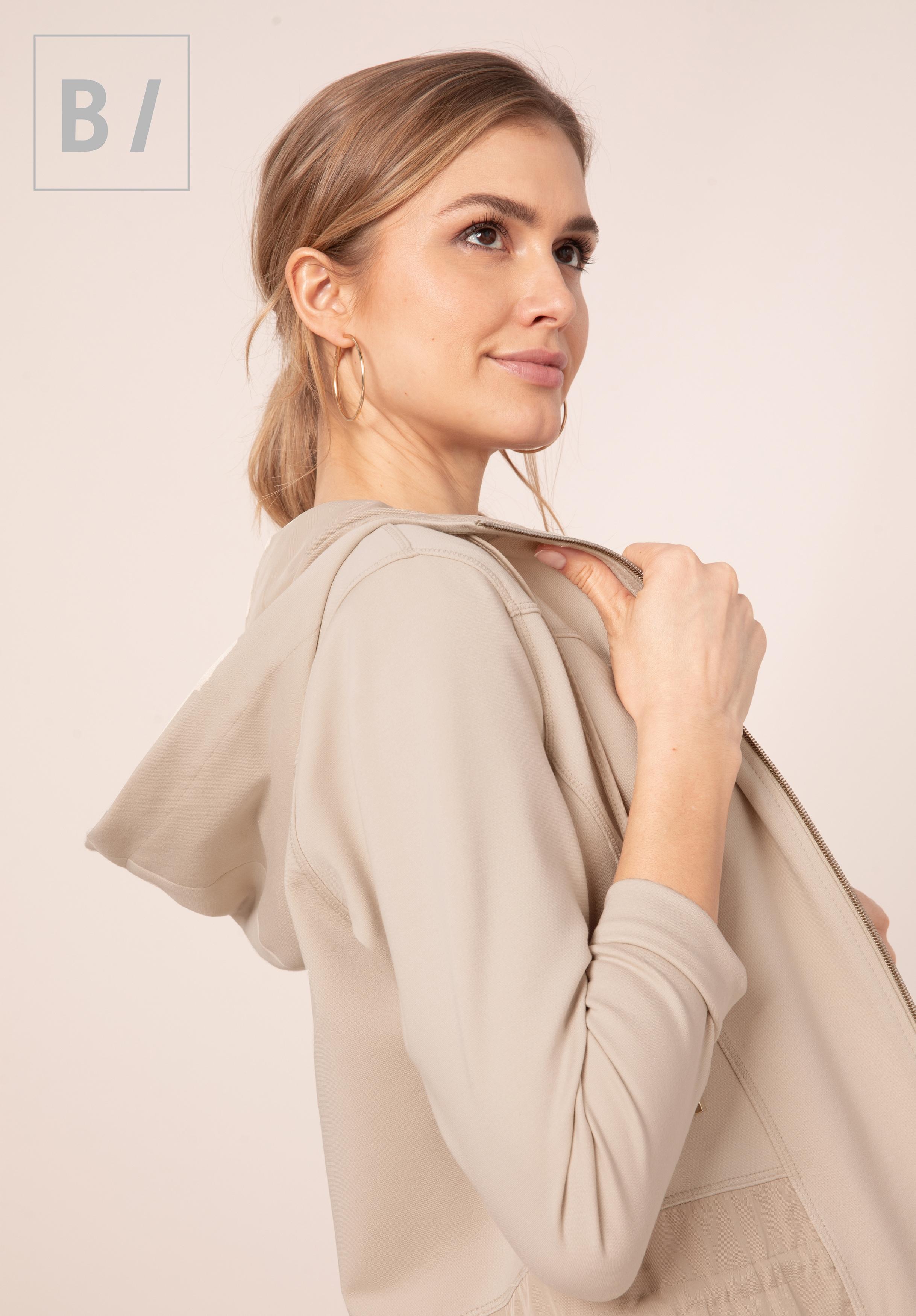 bianca -  Kurzjacke CINI, mit stylischer Kapuze und komfortablem Zipper