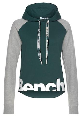 Bench. Kapuzensweatshirt, mit farblich abgesetzten Ärmeln und Logodruck kaufen