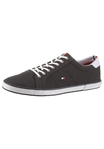 Tommy Hilfiger Sneaker »H2285ARLOW 1D«, mit seitlichem Logoflag kaufen