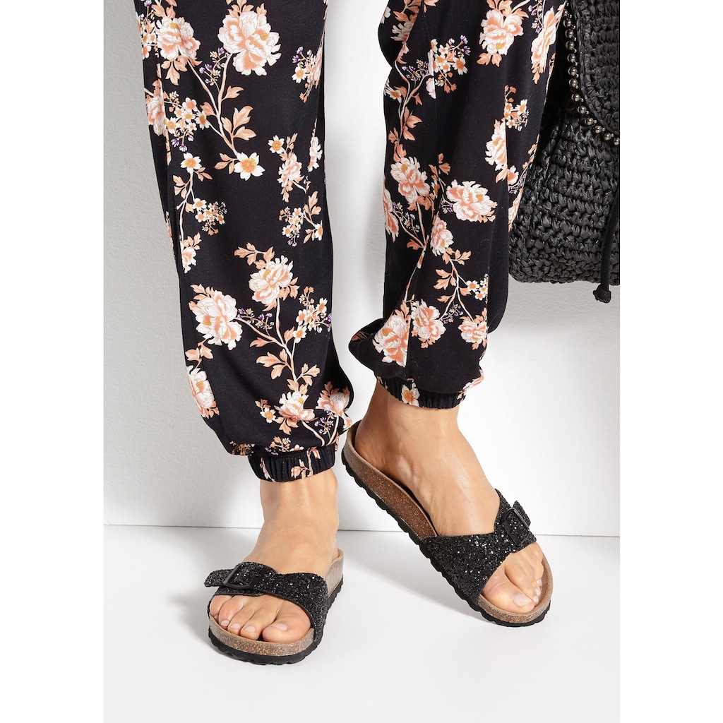 LASCANA Pantolette, mit Korkfußbett und Glitzer