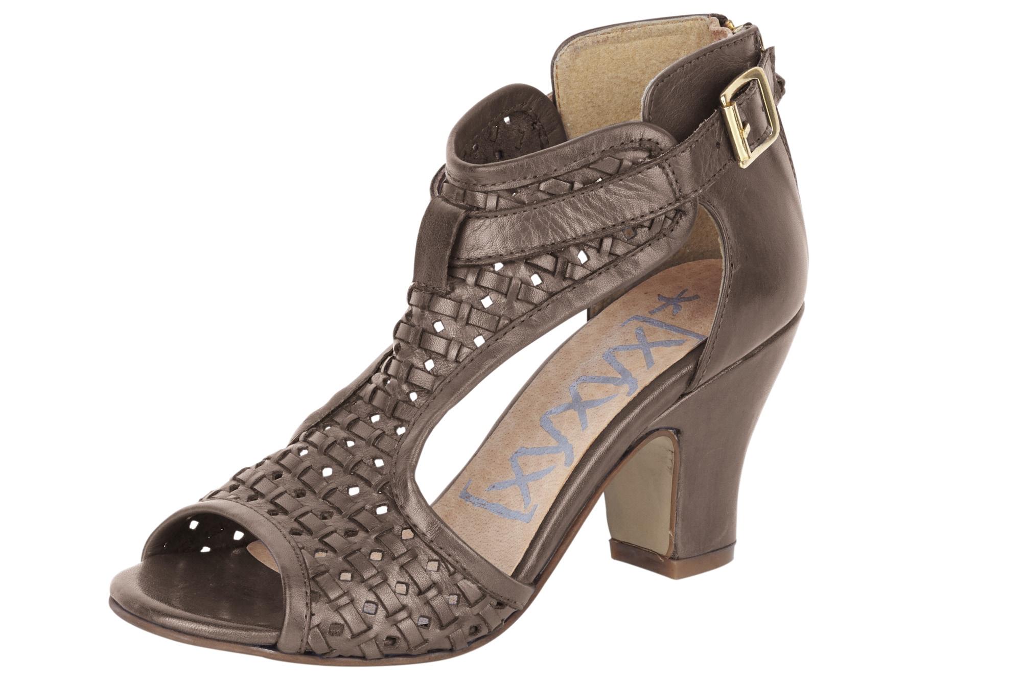 xyxyx -  Sandalette mit besonderer Schnittführung