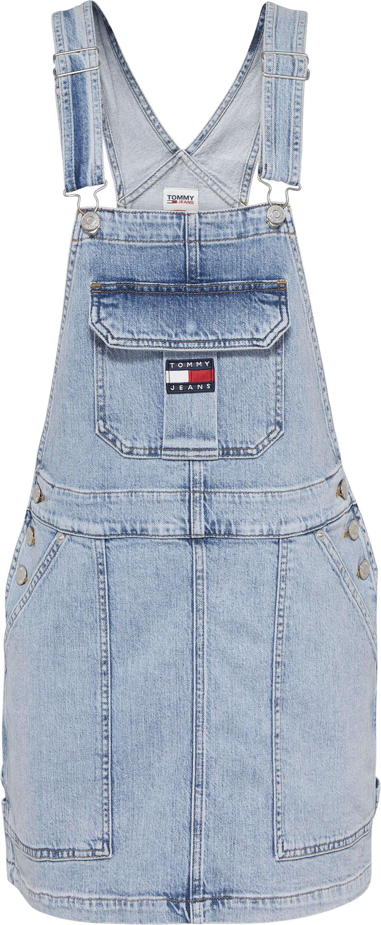tommy jeans -  Latzkleid CARGO DUNGAREE DRESS TJLLBC, mit verstellbaren Trägern &  Logo-Badge
