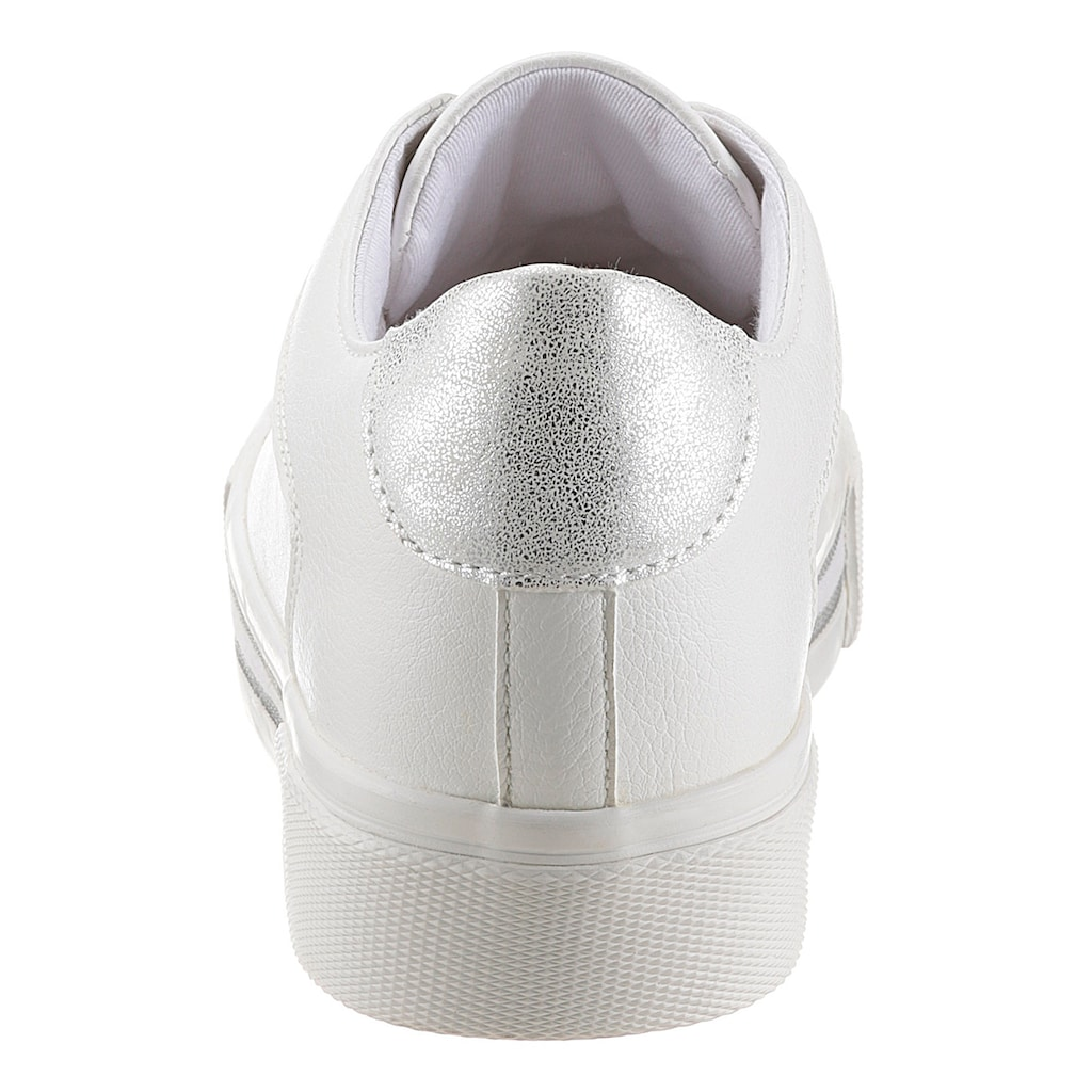s.Oliver Sneaker, mit Streifen in der Laufsohle